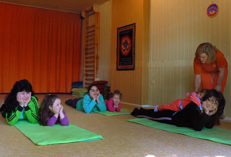 Йога за майки с деца | Йога студио ОМ - Пловдив - photo#31